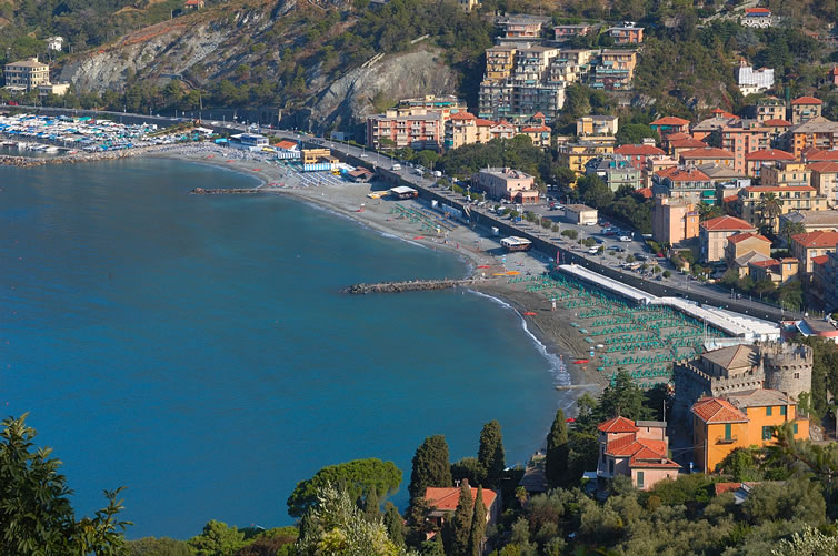 Urlaub levanto hotels levanto und cinque terre for Terrassenanlagen bilder